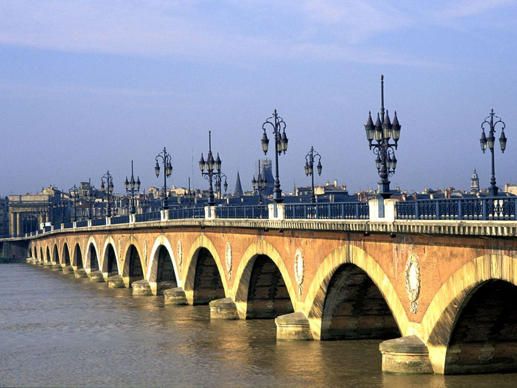 Photo du pont de pierre - Les ponts de bordeaux ...