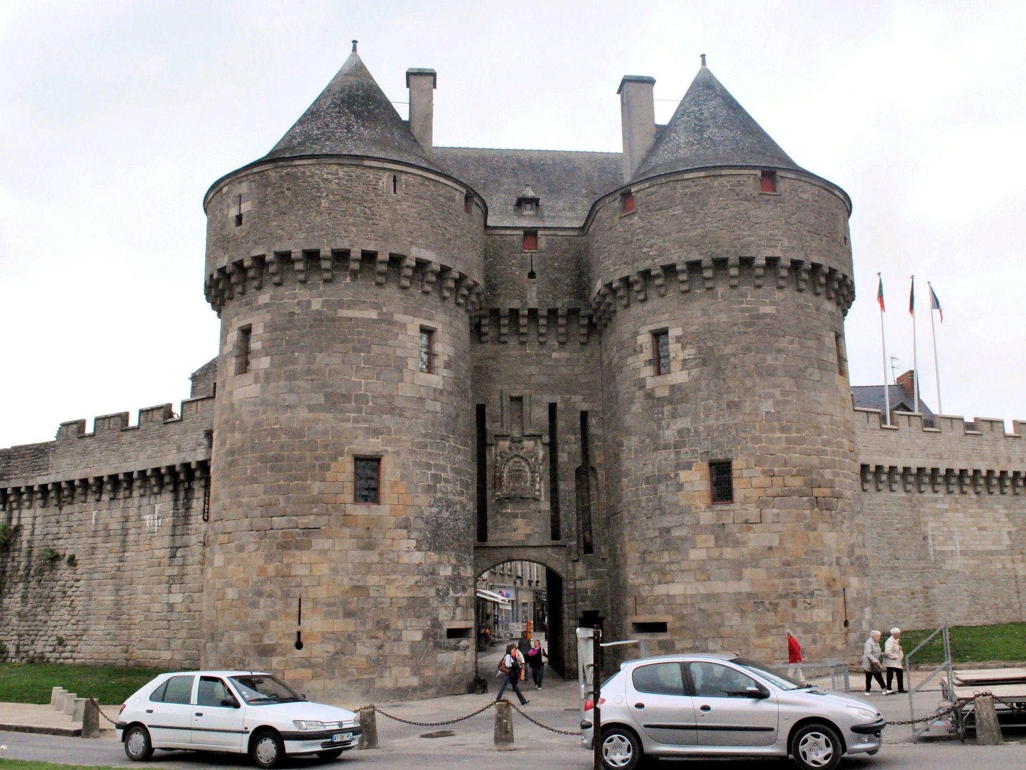 Photo de la porte saint michel de gu rande for Porte unie st michel